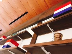 フランス国旗の重箱が飾られている写真です