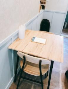 ナチュラルなテーブル席です