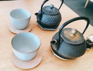 鉄器で淹れていただくお茶