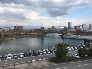 富山県美術館から見える富岩運河環水公園