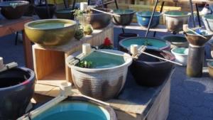信楽焼の水鉢