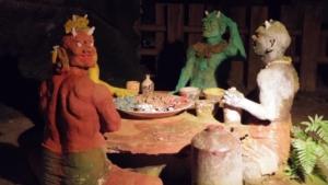 鬼たちが楽しそうに食卓を囲んでいます
