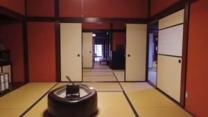 火鉢のある和室の風景