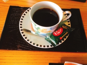 おやつ付きのコーヒー