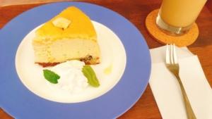 ガリバーカフェで食べたチーズケーキです