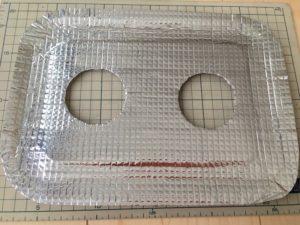 両面テープの剥離紙をはがしてアルミシートを貼り付けます
