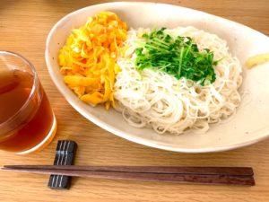 豆苗乗せ素麺