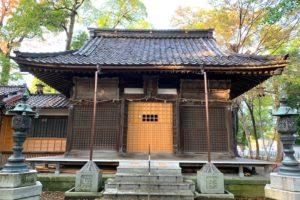 布市神社の本殿