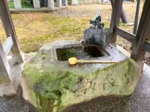 布市神社の手水舎