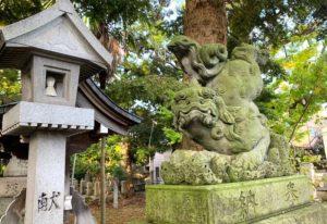 布市神社の逆立ち狛犬