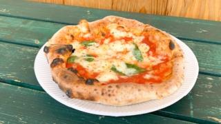 移動販売の窯焼きピザ!「サリーナ」のマルゲリータ♪