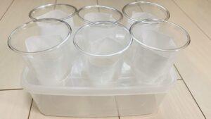 プラスチックカップをセット準備